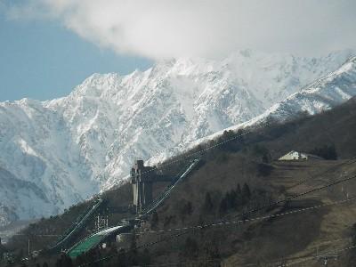 ジャンプ台と五竜岳