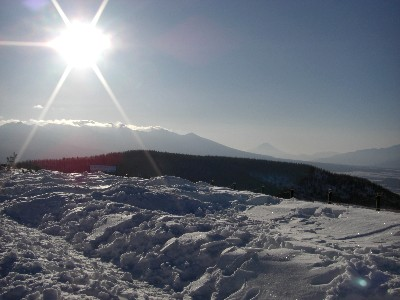 霧ヶ峰付近から八ヶ岳と富士山