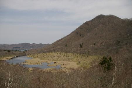 覚満淵と駒ヶ岳