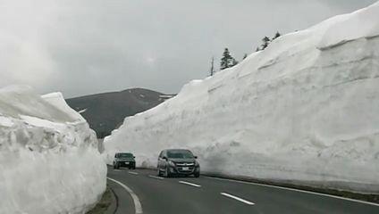 志賀草津ルートの雪壁