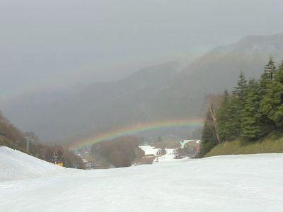 ゲレンデに出た虹