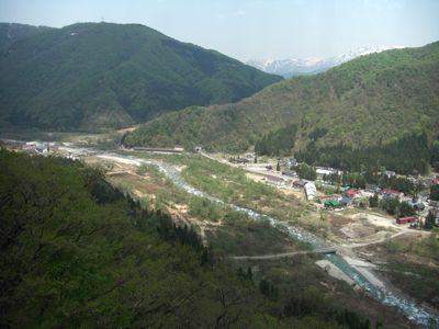 清津川の流れ