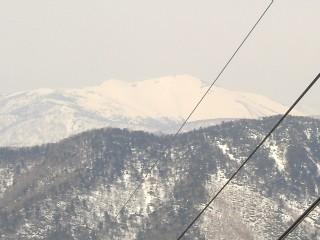 真っ白な至仏山