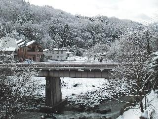 朝は雪景色