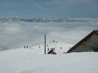 スキー場トップに上がる